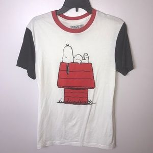 Peanuts T-Shirt (Snoopy) Red Black White Small